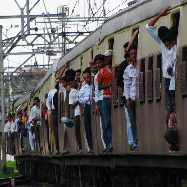 India emu side train surf